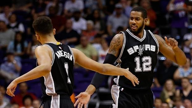 Spurs vão enfrentar os Suns na Cidade do México
