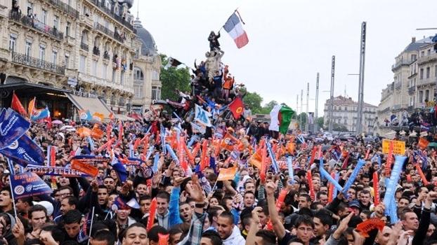 Torcida do Montpellier festeja inédito título do Francês em 2012
