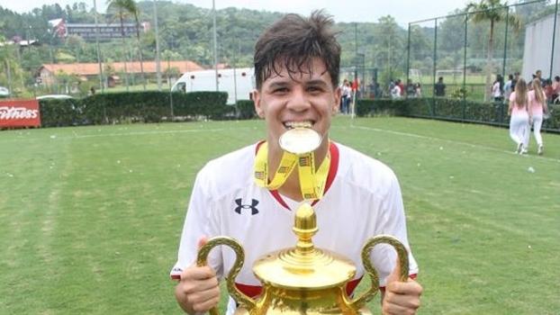 Com assédio do Real Madrid, São Paulo recorre a Ceni e Fifa para brecar saída de joia de 17 anos