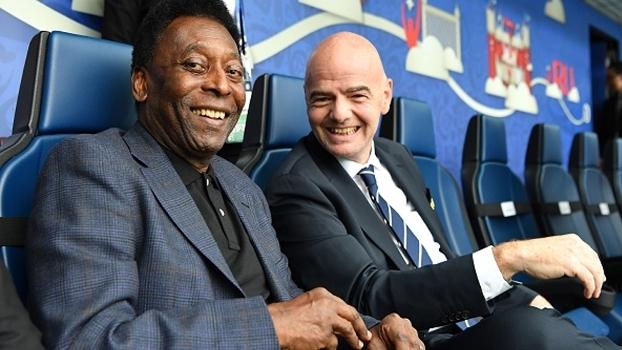 Pelé é embaixador da Copa das Confederações na Rússia