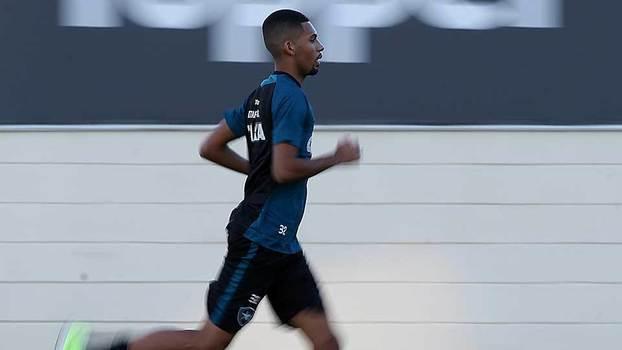 Botafogo está escalado para enfrentar o Flamengo; Veja o time!