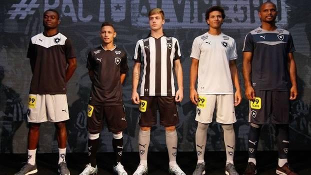 Alvinegro tradicional  Botafogo apresenta novos uniformes  veja foto ... e6dfc7b50f9ec
