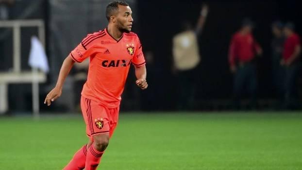 Samuel Xavier é titular na equipe do Sport neste Campeonato Brasileiro f3212330dd5c1