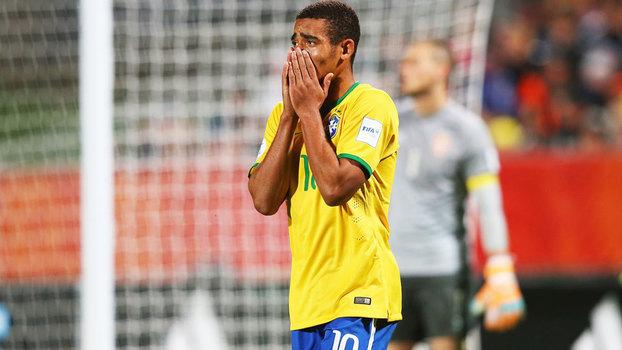 952f1f1203c16 Gabriel Jesus lamenta a derrota do Brasil na final do Mundial sub-20 de 2015