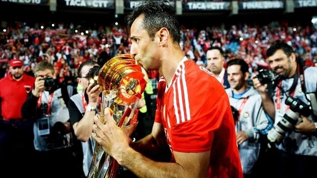 332619a4c2 Jonas Comemora Trofeu Copa da Liga Portuguesa Benfica 20 05 2016