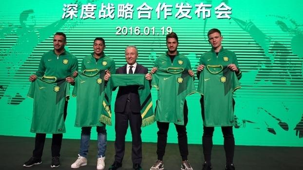 Time de Ralf na China anuncia Zaccheroni como novo técnico