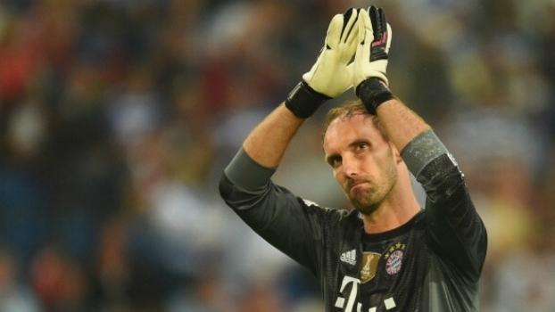 Bayern obrigado a tirar um guarda-redes da reforma para substituir Neuer