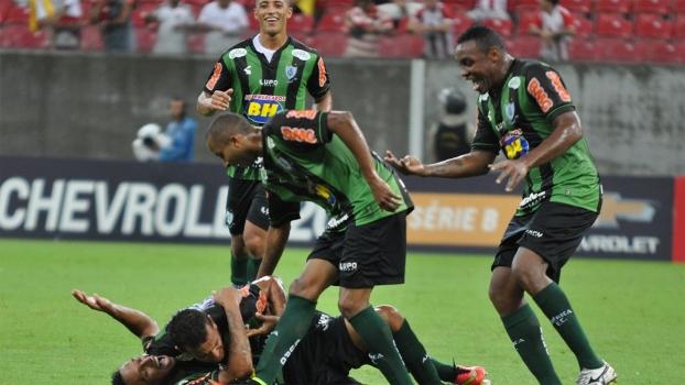 Elenco do América Mineiro acredita no acesso e destaca confiança após  goleada - ESPN 18faf5a41fce5