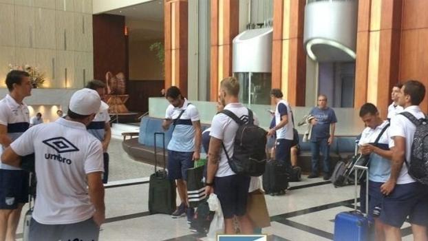 Atlético Tucumpan quase não chegou para a partida por conta de problemas com voo fretado