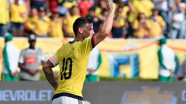 James Rodríguez comemora gol na vitória da Colômbia sobre a Venezuela