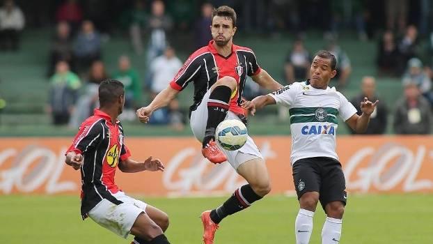 Coritiba e Joinville se enfrentaram no Couto Pereira pelo Brasileiro