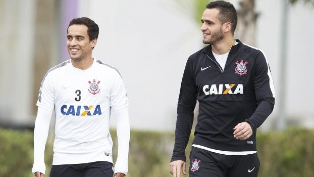Renato Augusto Jadson Treino Corinthians 01 09 2015 bd1e66eb8ee08