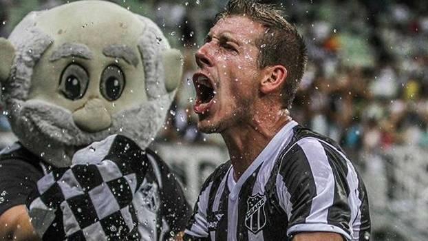Ex-Atlético-PR, o volante Uillian é a alma do Ceará em campo