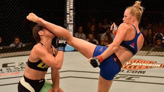 Holly Holm nocauteou a brasileira no terceiro round