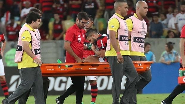 Diego se machucou na vitória do Flamengo sobre o Atlético-PR na Libertadores 21e45c257f7c9