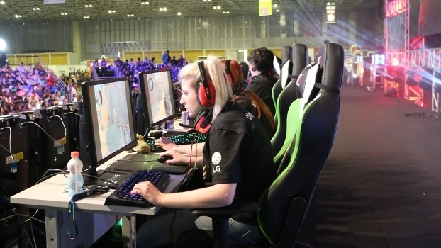 Equipe da Victory Pro Team durante a showmatch no Geek & Game Rio Festival