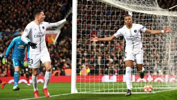 Mbappé comemora gol do Paris Saint-Germain contra o Manchester United