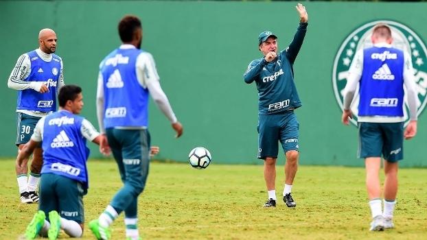 Cuca programa treino fechado no Pacaembu para pegar Grêmio - ESPN 759ececc3d847
