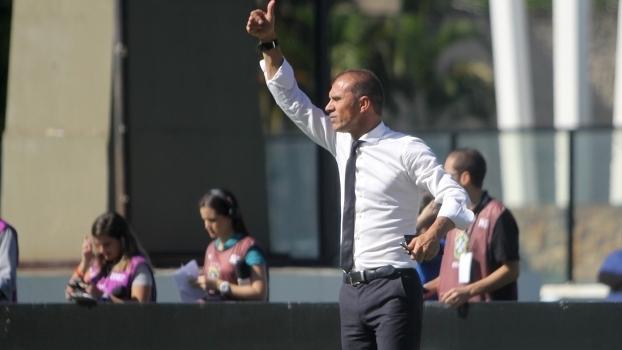 Regularizado na CBF, Bruno Paulista poderá estrear no Vasco contra o Flamengo