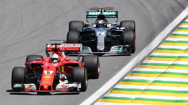 Seguido por Bottas, Vettel liderou praticamente todo o GP do Brasil, neste domingo