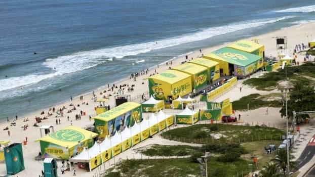 Palco para a etapa brasileira no Circuito Mundial de surfe está montado na Barra da Tijuca