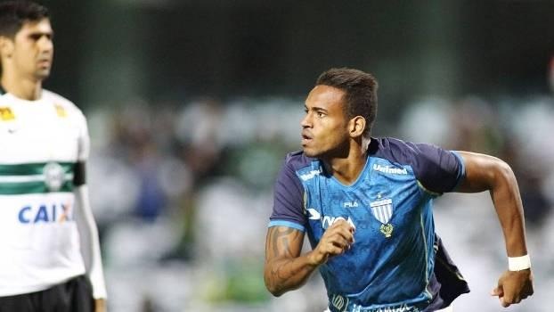 Anderson Lopes será o substituto de Roberto no time catarinense