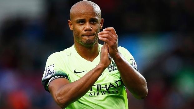 Kompany Manchester City Aston Villa Campeonato Ingles 08/11/2015