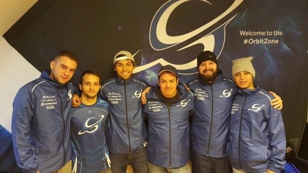 Jogadores brasileiros vestiram a camisa de Orbit e Red Reserva na Europa