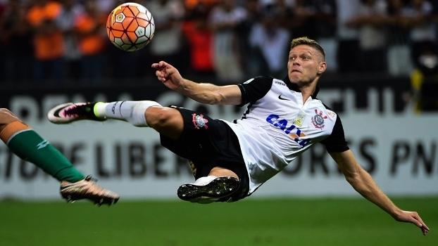 Marlone gol voleio Corinthians