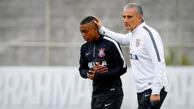O dia em que jogador campeão pelo Corinthians resolveu ir embora do clube e fez Tite chorar