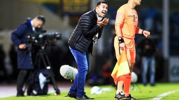 Coudet reclama na final da Copa Argentina aaf155e4f8b9e