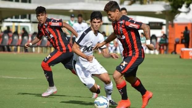 Atlético-MG bate Vitória em Salvador pela Copa do Brasil sub-20  Flu ... c00dbe96a7ed0