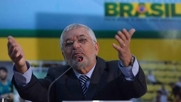 Manoel Luiz Oliveira está perto de deixar a presidência da CBHb