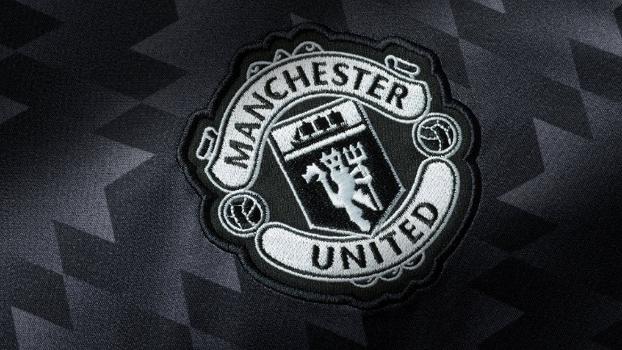Manchester United aposta em estilo  Bragantino anos 90  em nova ... 6d612cf7e13ae