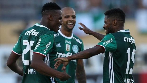 Michel Bastos comemora seu primeiro gol com a camisa do Palmeiras