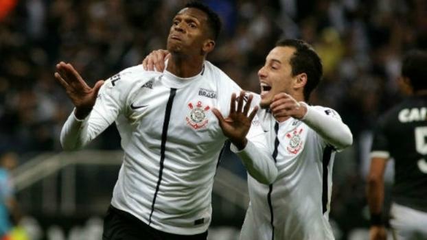Time misto do Botafogo não resiste ao líder Corinthians
