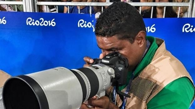 Cego, fotógrafo João Maia cobre os Jogos Paralímpicos do Rio 2016