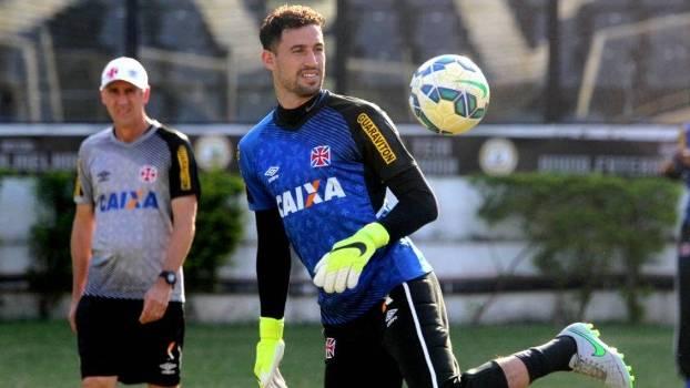 f4122f4488a79 O goleiro Martin Silva em treino do Vasco em São Januário