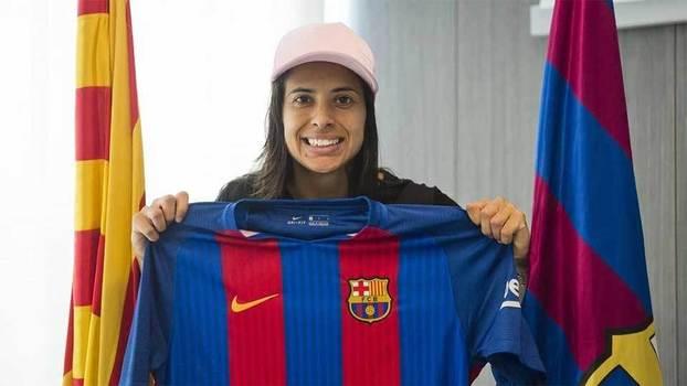 Do cimento ao Camp Nou  pioneira revela como homens e mulheres são ... 51f4a2cdfa229
