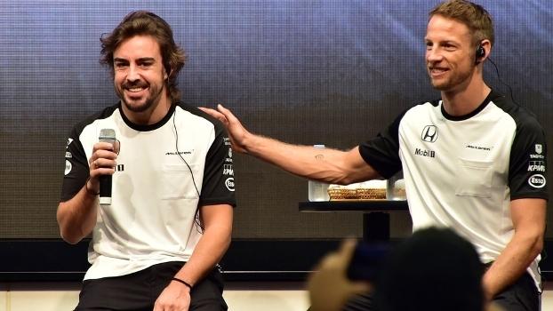 Fernando Alonso e Jenson Button: espanhol perdeu para o britânico em 2015