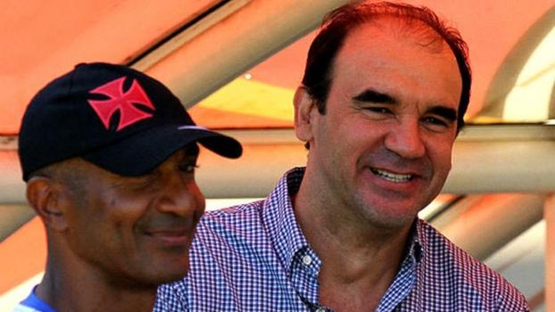 Eurico Miranda anuncia a saída do técnico Jorginho do Vasco