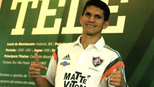 Magno Alves posou com camisa do Fluminense nesta quarta-feira