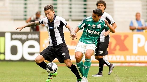 Lucas Lima e Jean disputam a bola no clássico deste sábado