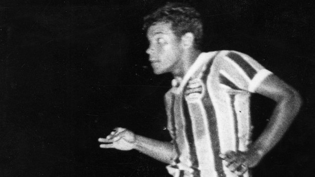 Alcindo Bugre marcou 264 gols com a camisa gremista