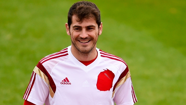 Iker Casillas, lenda do Real Madrid e da Espanha, se aposenta dos gramados