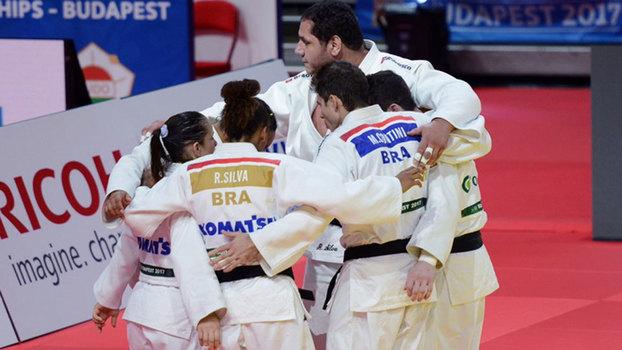 Equipe brasileira para a final por equipes mista do Mundial de Budapeste