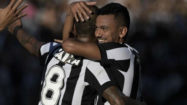 Fluminense conquista grande virada sobre o Botafogo e respira contra a degola