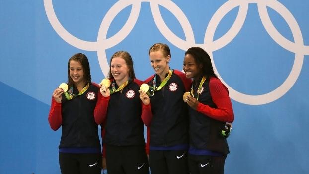 Equipe feminino do 4x100m medley deu o milésimo ouro aos EUA