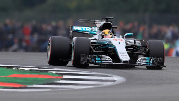 Mercedes troca caixa de câmbio e Bottas perde posições no grid