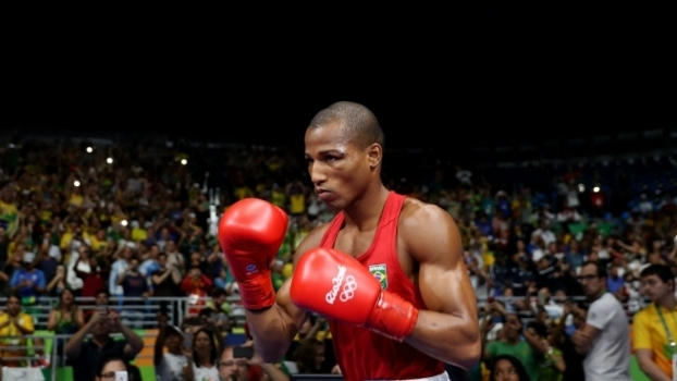 Robson Conceição na final do peso até 60kg contra o francês Sofiane Oumiha